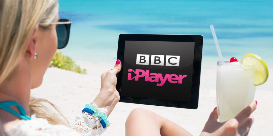 How to Watch TV Online in the UK Using Your Smartphone