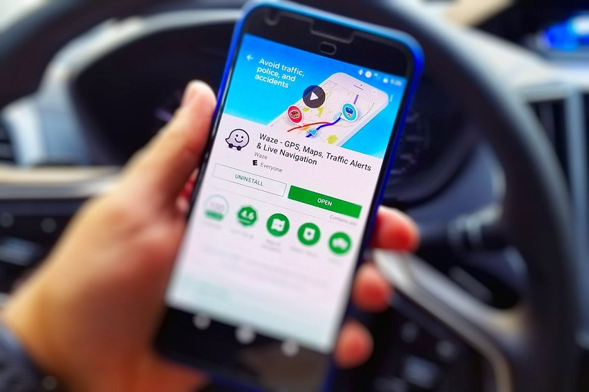 How To Use And Download Waze App