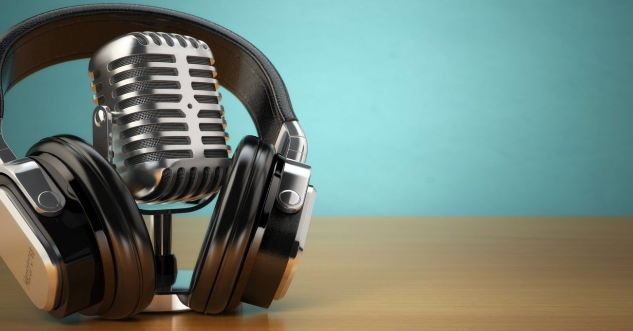 Listen to and Organize Podcasts - Learn How to Download the Pocket Casts App