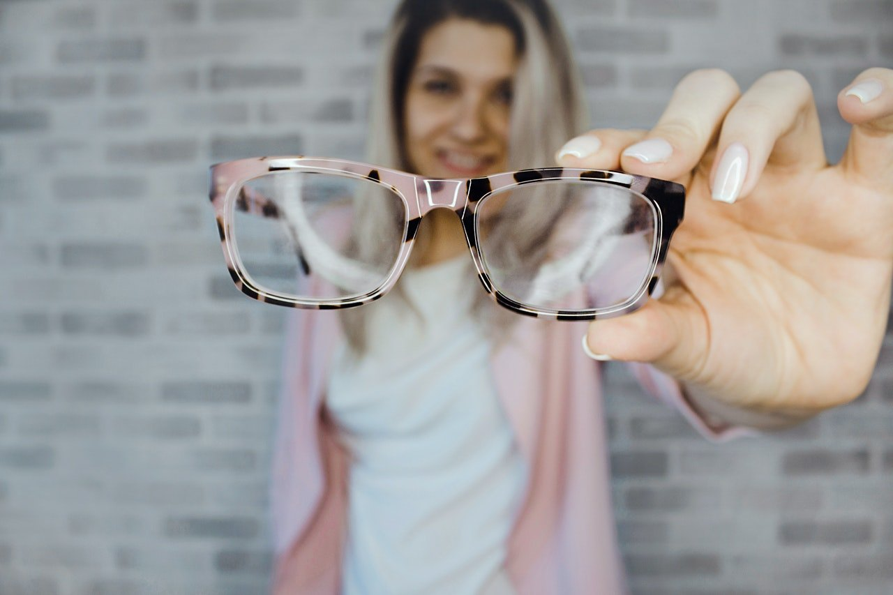 Discover Apps to Try Models of Glasses on Virtually